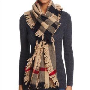 Burberry Fringed Check Wool Scarf (RARE)